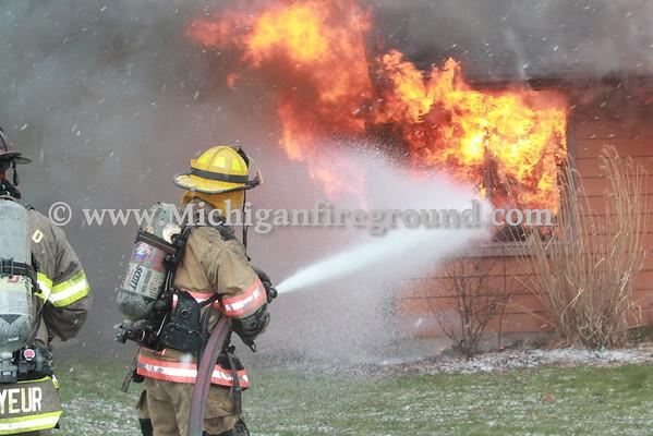 4/10/16 - Chelsea live burn training exercise, 718 McKinley