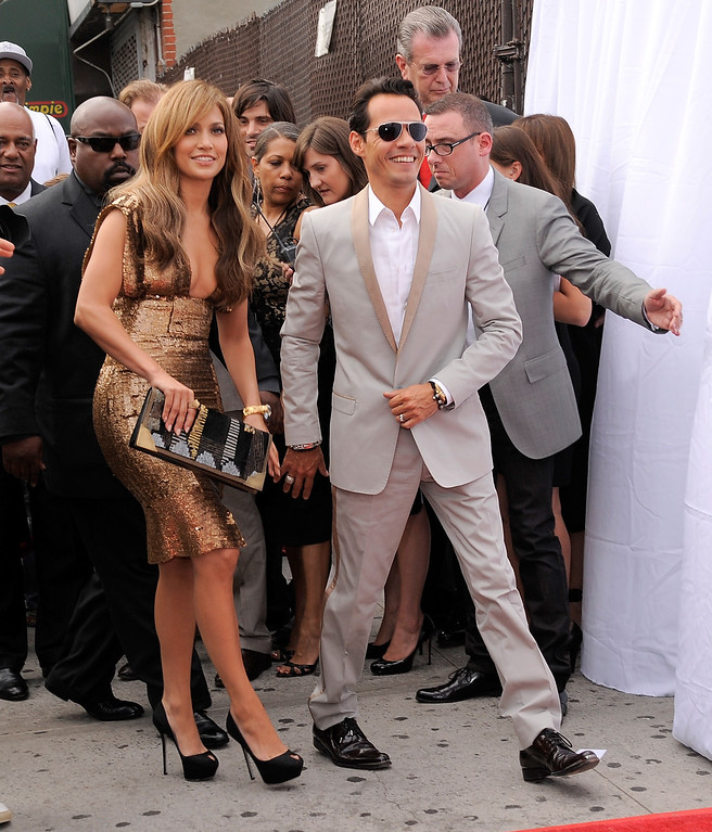 . NEW YORK - JUNE 14:  Singer\\actress Jennifer Lopez and singer Marc Anthony arrive at the 2010 Apollo Theater Spring Benefit Concert & Awards Ceremony at The Apollo Theater on June 14, 2010 in New York City.  (Photo by Jemal Countess/Getty Images)