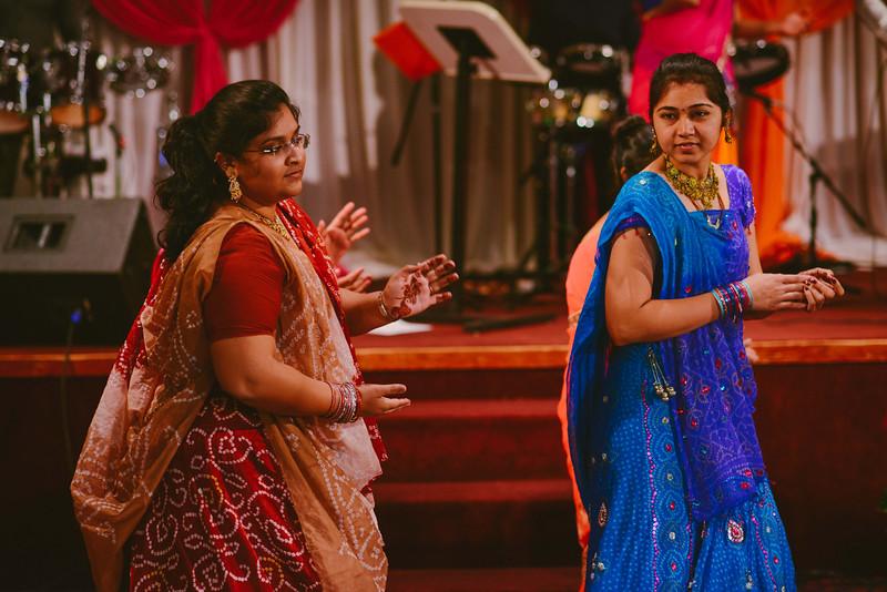 Charmi & Abhi Garba (186 of 578).jpg