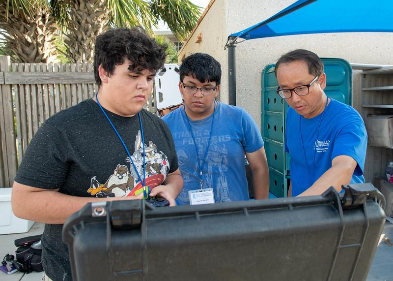 2018_0629_UnderwaterRoboticsCamp-CampusPool-1233.jpg