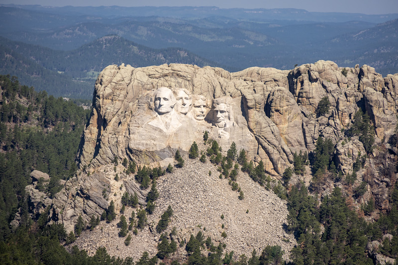 Mt Rushmore from the air-3658.jpg