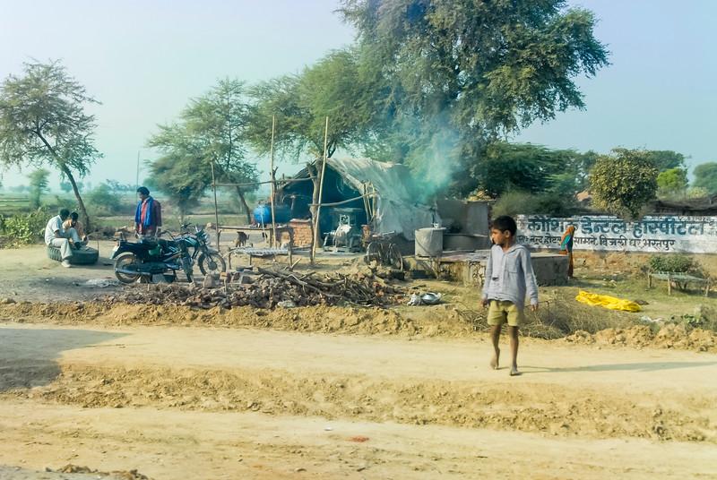 Roads_in_India_1206_059.jpg