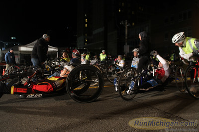 Start, Gallery 2 - 2014 Detroit Free Press/Talmer Bank Marathon