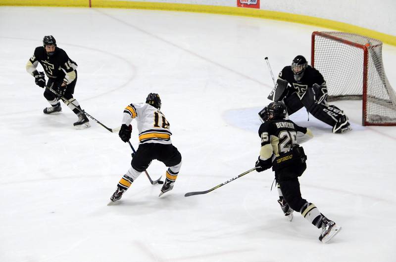 180112 Junior Bruins Hockey-022.JPG