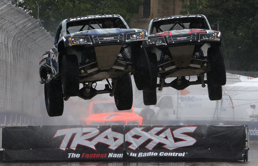 . Keegan Kincaid, left, and P.J. Jones hit a jump during the SPEED Energy Formula Off-Road race before the second race of the IndyCar Detroit Grand Prix auto racing doubleheader, Sunday, May 31, 2015, in Detroit. (Photo/Bob Brodbeck)