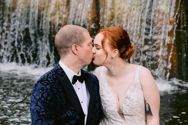 Allie & Jamie: Qld Registry Office Wedding