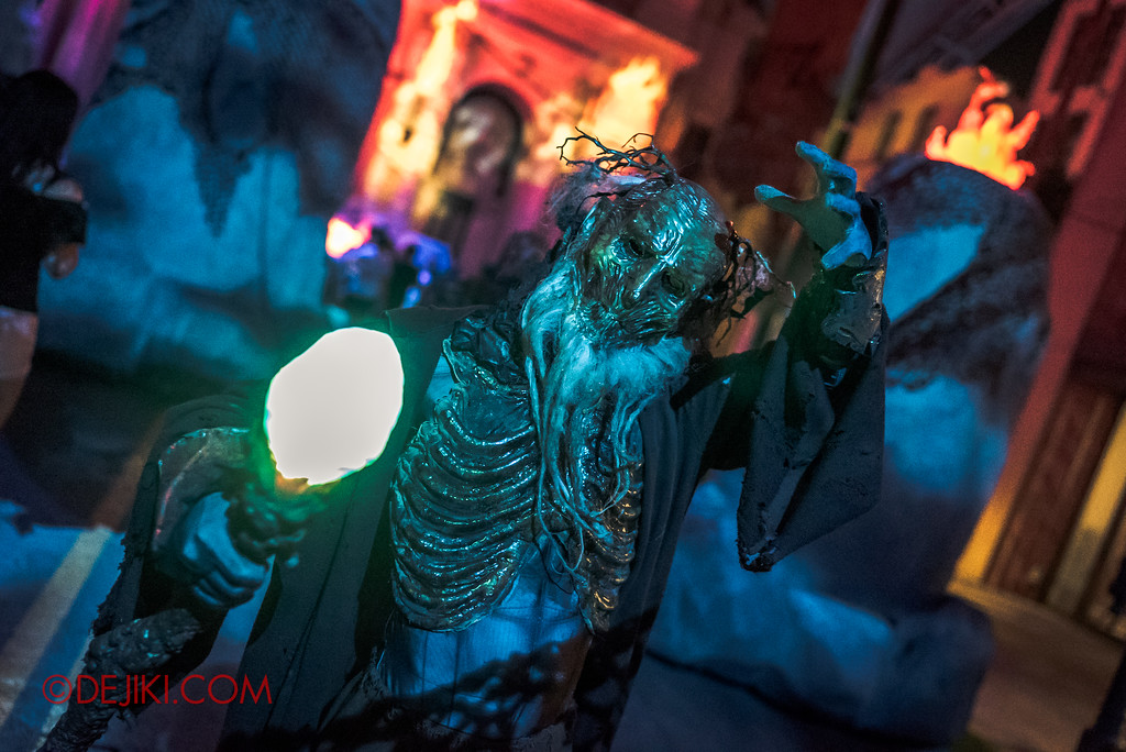 Halloween Horror Nights 7 - Pilgrimage of Sin / Perversion green staff Keeper