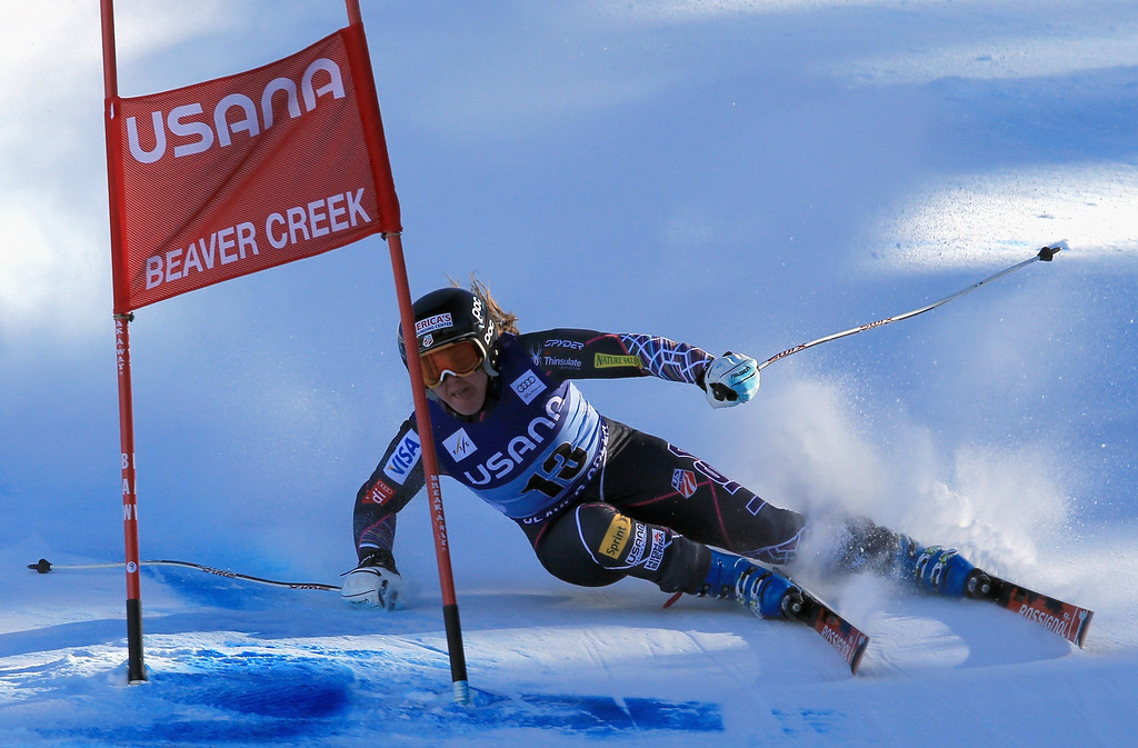. Leanne Smith of the United States skis to 24th place in the ladies\' Super G on Raptor at the Audi FIS Ski World Cup at Beaver Creek on November 30, 2013 in Beaver Creek, Colorado.  (Photo by Doug Pensinger/Getty Images)