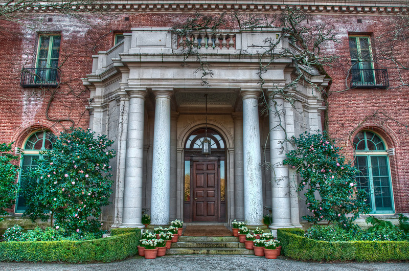 The entrance to the Filoli Mansion.