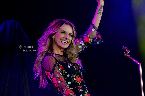 Carly Pearce at Ford Field - Detroit, MI | 10.26.2018