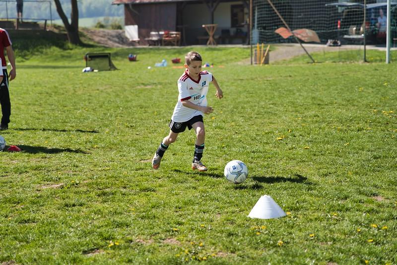 hsv-fussballschule---wochendendcamp-hannm-am-22-und-23042019-y-01_40764457783_o.jpg