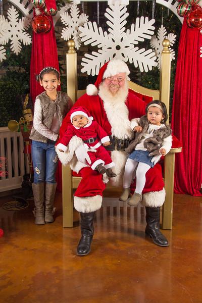 Santa 12-16-17-271.jpg