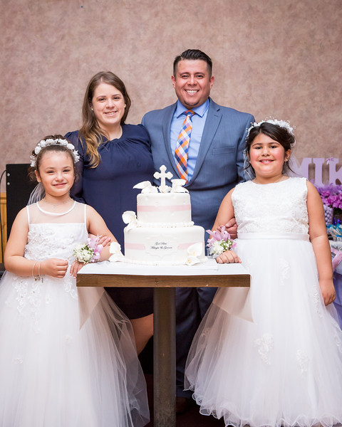 Mikayla and Gianna Communion Party-105.jpg