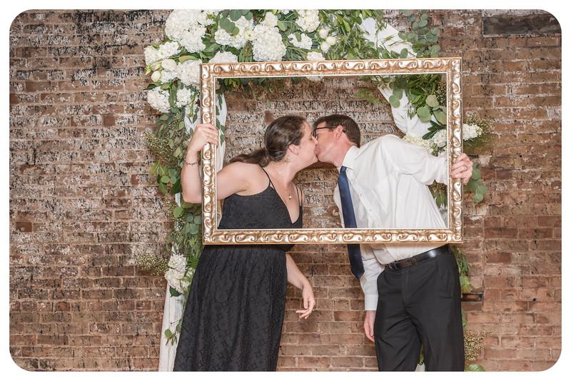 Laren&Bob-Wedding-Photobooth-137.jpg
