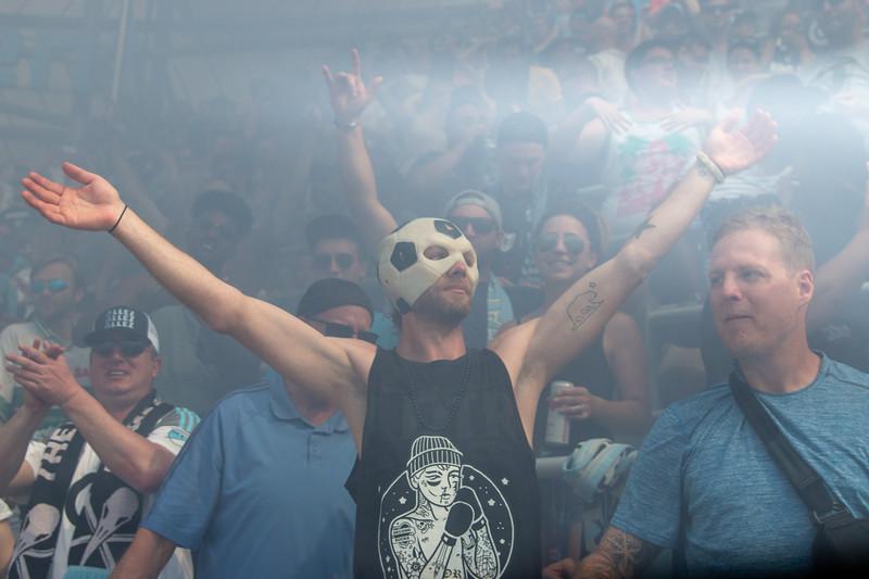 Smoke, Hands up