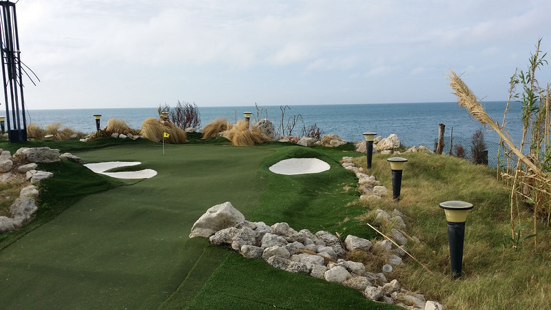 Bermuda-Fun-Golf-Mini-Golf-02.jpg
