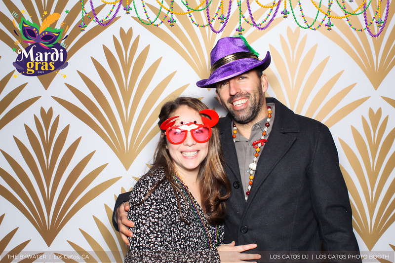 LOS GATOS DJ - The Bywater's Mardi Gras 2021 Photo Booth Photos (beads overlay) (17 of 29).jpg