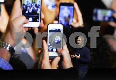 apple-may-test-the-bounds-of-iphone-love-with-a-1000-model