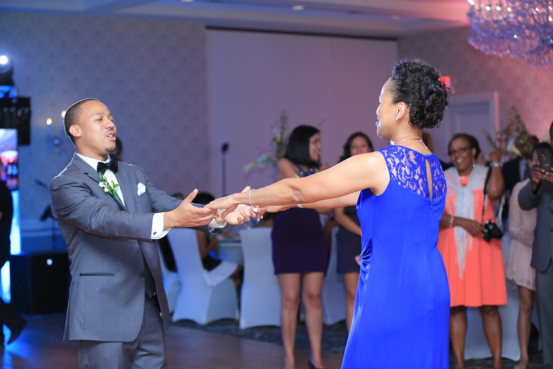 118_speeches_ReadyToGoPRODUCTIONS.com_New York_New Jersey_Wedding_Photographer_J+P (806).jpg