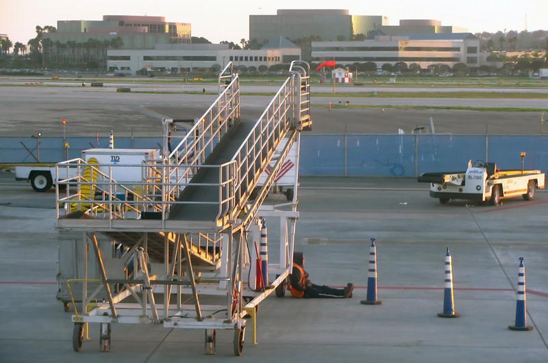 airport_guy.jpg