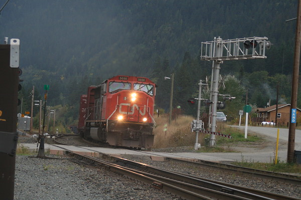 Day 14: CN Freight at North Bend - 2 October 2008