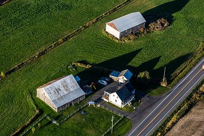 Vieilles granges et autres bâtiments abandonnés encore présents au Québec
