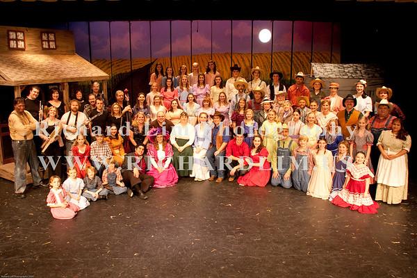 Oklahoma-Cast Photo