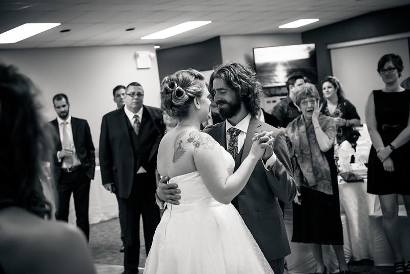 EDITS - Ryan and Lindsey Wedding 2014-701.jpg