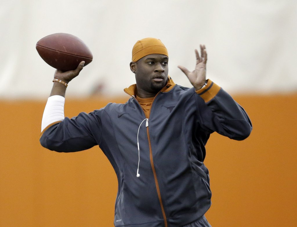 ". <p><b><a href=\'http://www.twincities.com/breakingnews/ci_23803939/green-bay-packers-vince-young-will-be-backup\' target=""_blank\""> 7. Vince Young </a></b> <p>Will be fine backup quarterback for Packers, just as long as they don�t have to play him. (unranked) <p> --------------------------------------------    (AP Photo/Eric Gay, File)"