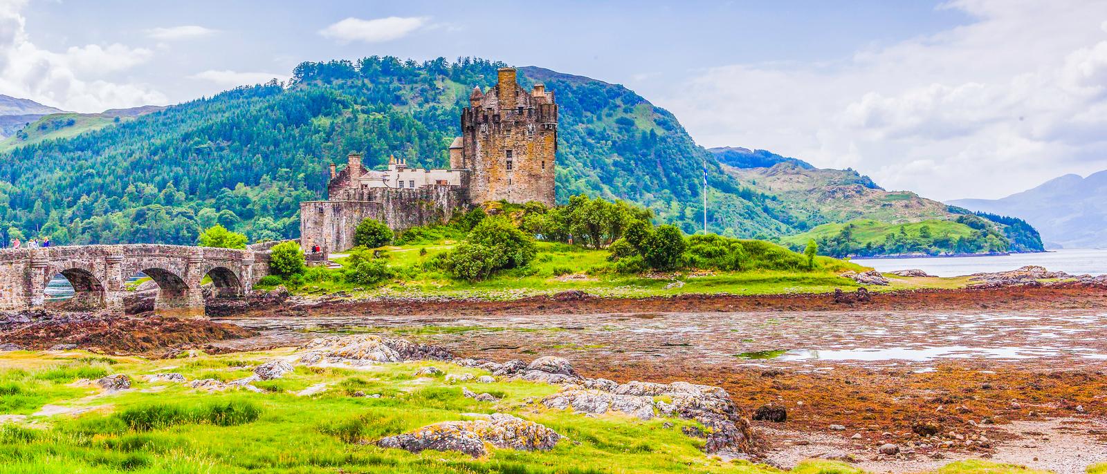 苏格兰艾琳多南城堡(Eilean Donan castle),著名景点