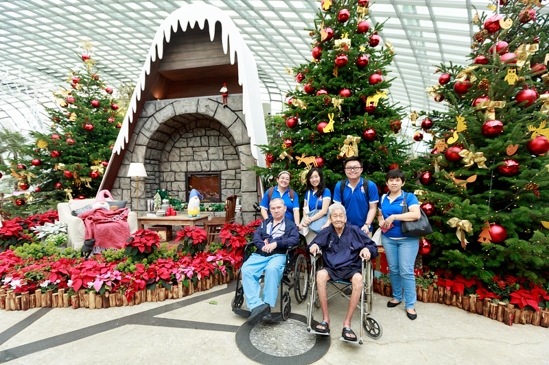 VividSnaps-Extra-Space-Volunteer-Session-with-the-Elderly-015.jpg