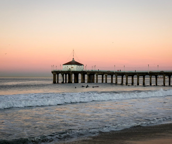 Morning in Manhattan Beach, California, a quiet time of colors, birds, surfers and peace. The most magical time in a small classic California beach town. A gallery of images by USA TODAY's Jefferson Graham, who lives in Manhattan Beach