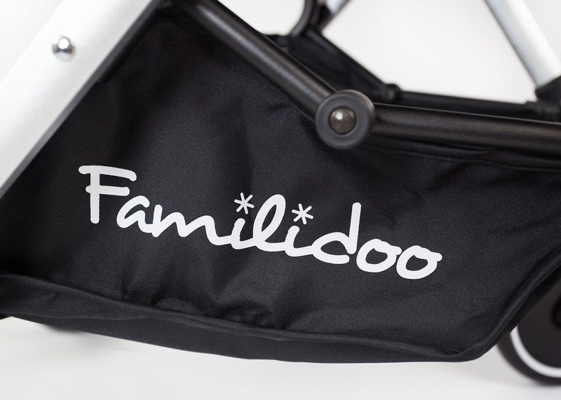 Familidoo_Air_Product_Shot_Black_Panda_Detail_Basket_Logo.jpg
