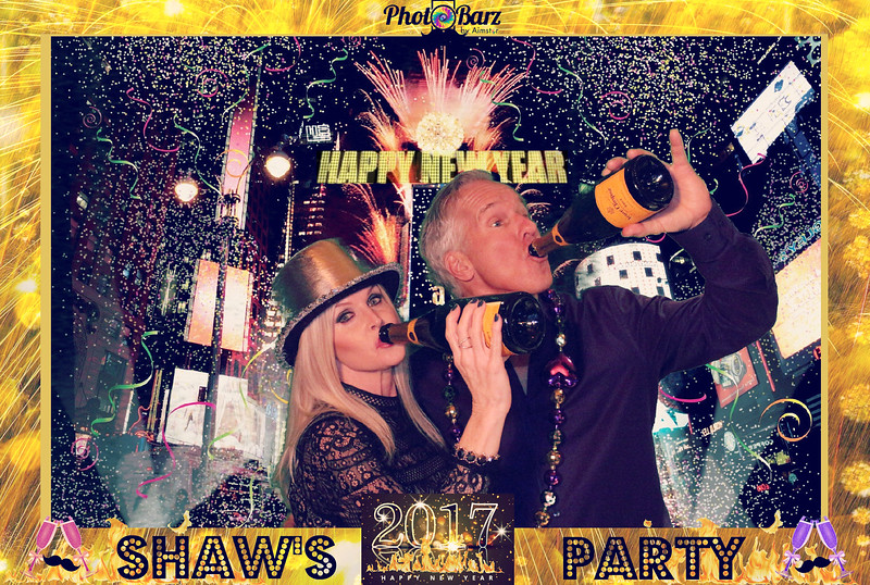 Shaws NYDay Party (44).jpg