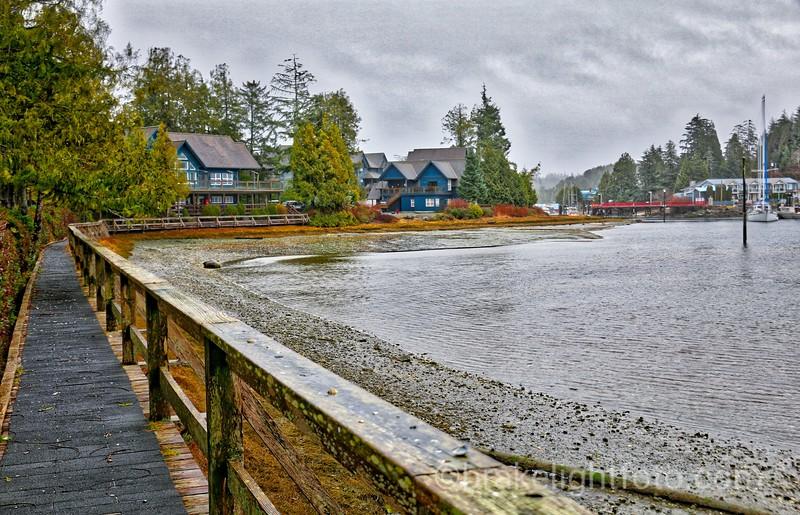 Water's Edge Shoreline Suites