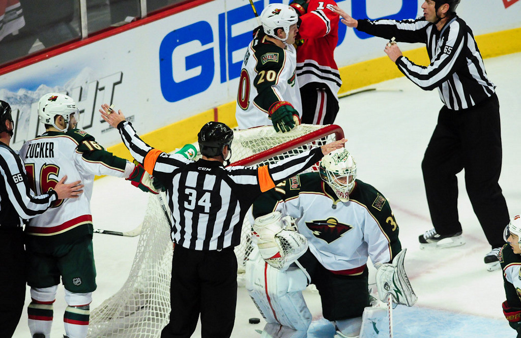 . The referee makes a controversial no-goal call in the third period overturning what would\'ve been Chicago\'s winning goal. (Pioneer Press: Ben Garvin)