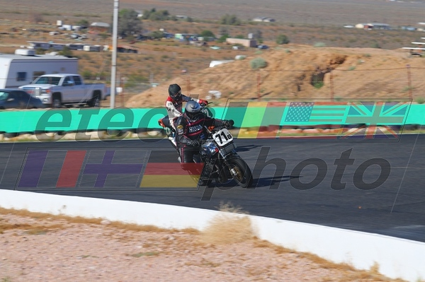 4/28/2019 Willow Springs AHRMA Practice and Races