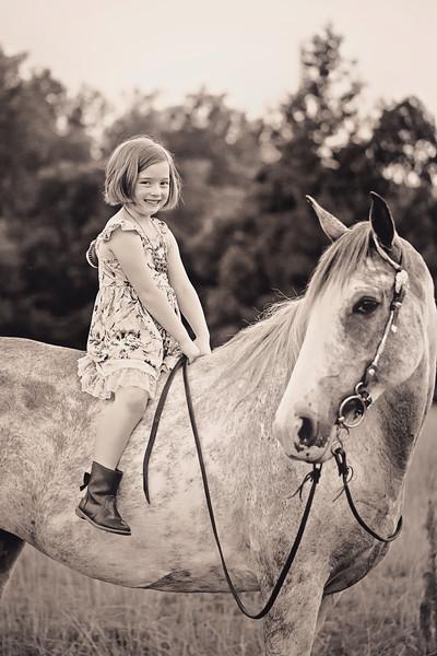 2019 June Jessica Ellis Family Horse-39.jpg