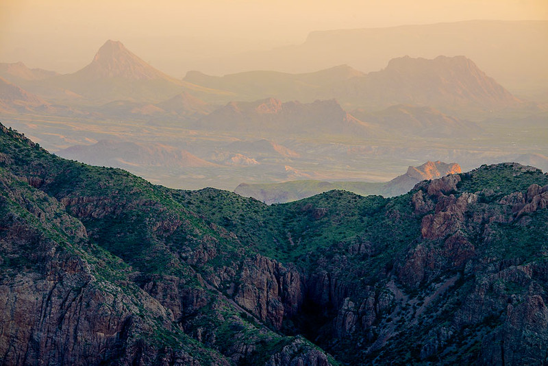 Chisos_Mountains_View_Big_Bend_National_Park_Texas_DSC2201 900.jpg