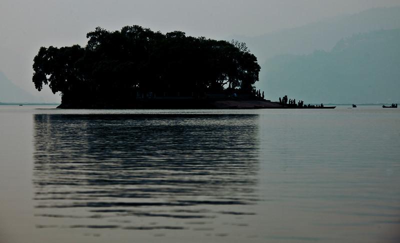 World Peace Pagoda - lake Phewa (7 of 43).jpg