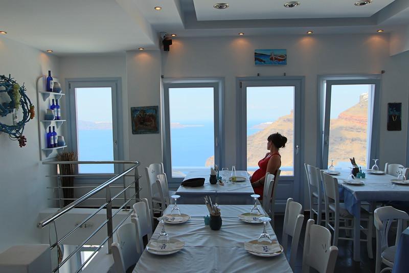 SantoriniLunch.jpg