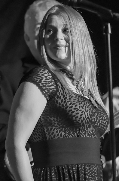 Andra Lee Suchy-Lisa Wenger-Cd Release Famous Daves, Uptown.