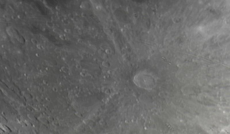 Měsíc 24.4.2013 cca 2:30 - SkyWatcher 130/650, MS Lifecam 5000HD. Mírně vpravo uprostřed kráter Tycho (průměr cca 90km).