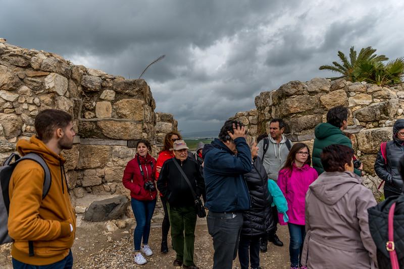ruinas da cidade-fortaleza do tempo do rei Salomão