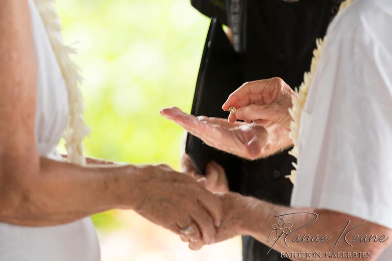 055__Hawaii_Destination_Wedding_Photographer_Ranae_Keane_www.EmotionGalleries.com__141018.jpg