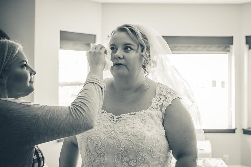 Beloit-WI-Ironworks-hotel-Wedding-Photographere_m_29.jpg