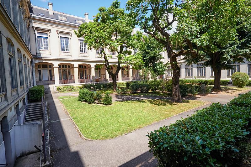 Université Lyon II (IV)
