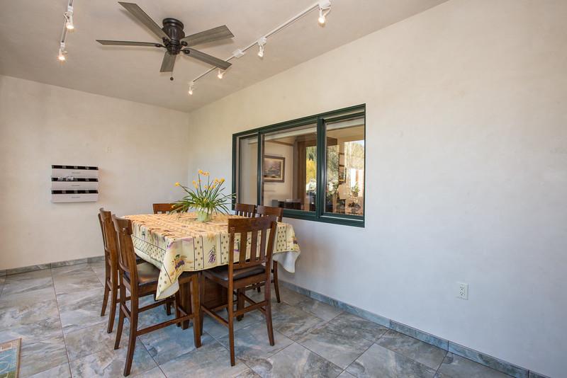 dining room (1 of 1).jpg