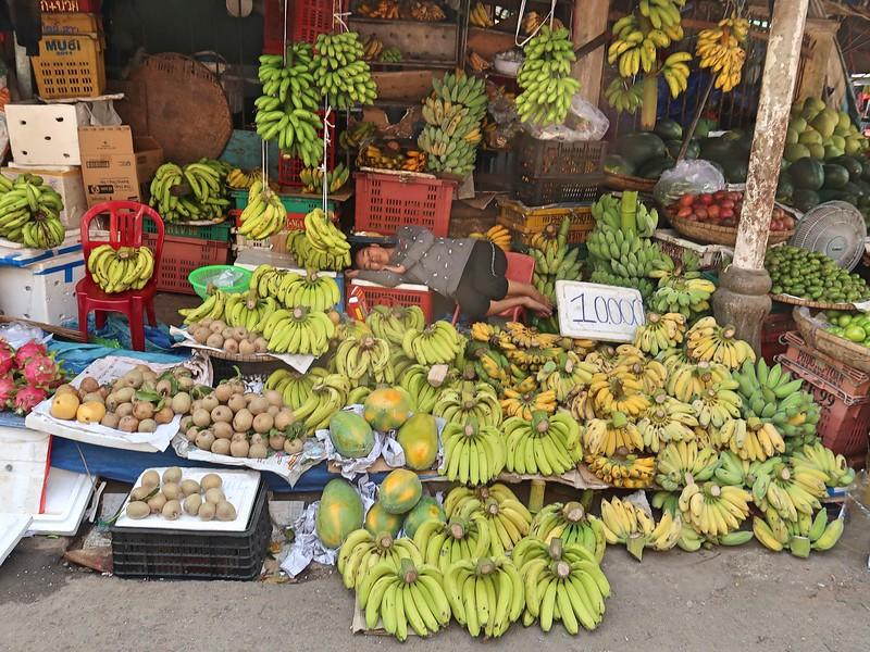 IMG_3377-banana-vendor.jpg