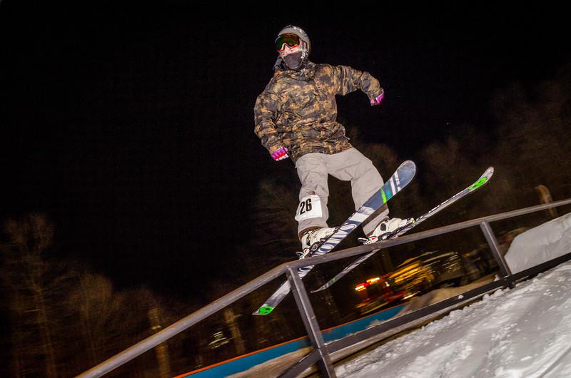 Nighttime-Rail-Jam_Snow-Trails-167.jpg